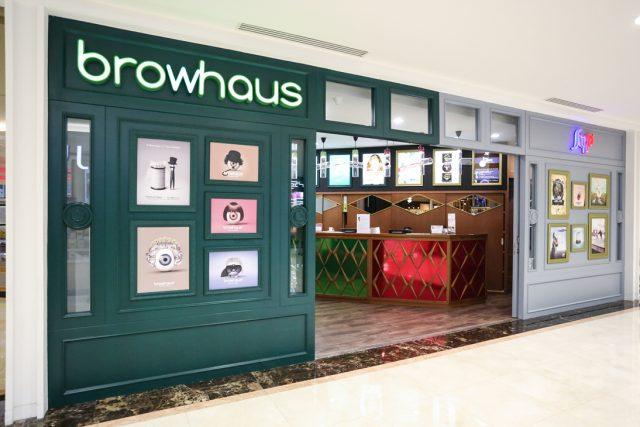 Strip & Browhaus